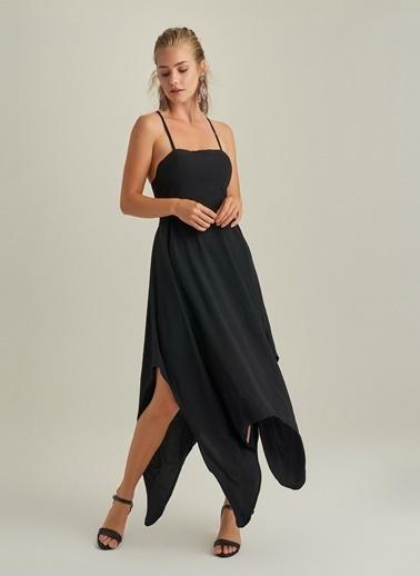 NGSTYLE Asimetrik Etekli Askılı elbise Siyah